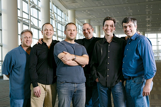 Steve Jobs poses with the executives who designed the iPhone., Jonathan Sprague / Redux